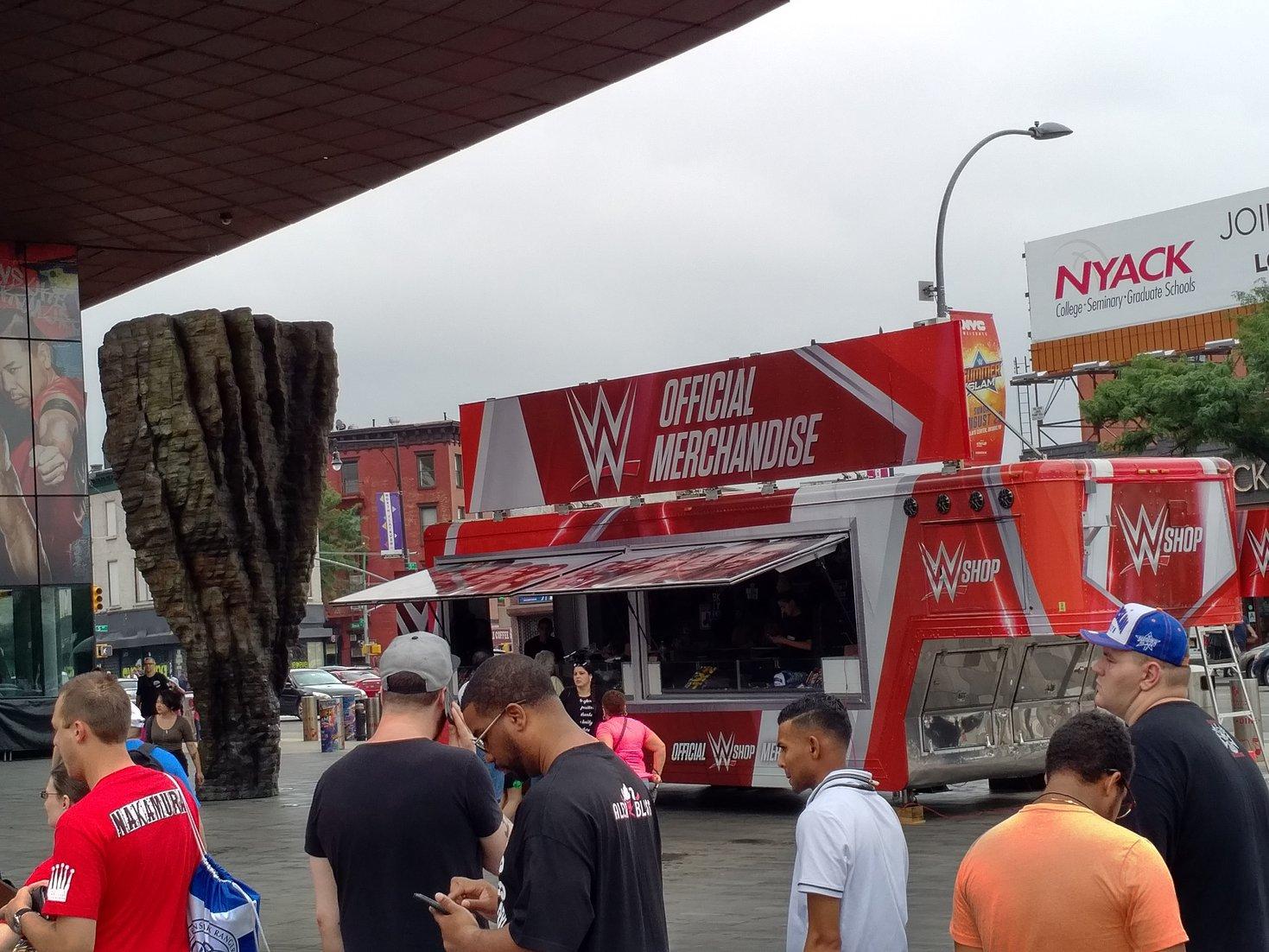 Отчёт о поездке на SummerSlam Week 2017